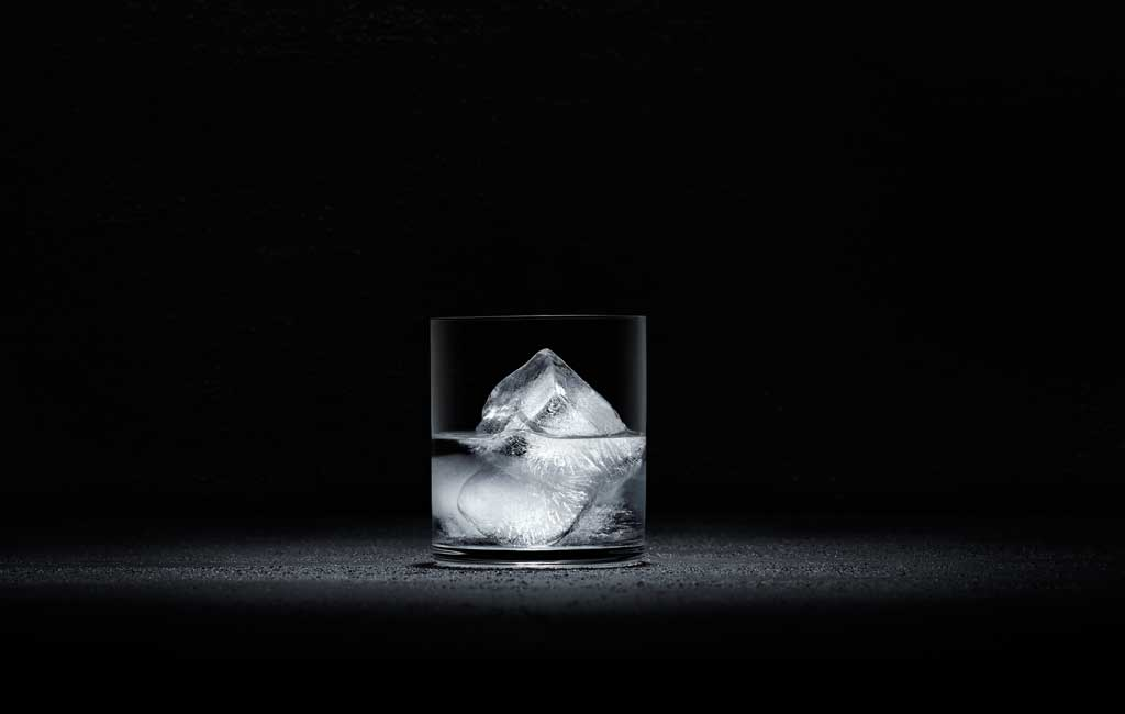 Pur Vodka on ice. Nothing else.